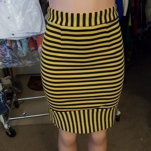 Eraz Pencil Skirt